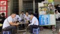 Người dân TP Hồ Chí Minh thờ ơ không đeo khẩu trang khi ra đường