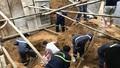 Lào Cai: Sạt lở đất trong lúc đào móng xây kè khiến 4 người thương vong
