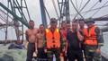 Kịp thời cứu sống 7 ngư dân gặp nạn trên vùng biển Quảng Ninh