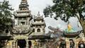 Những duyên ngộ kỳ lạ ở ngôi chùa kết thành từ hàng triệu mảnh ve chai
