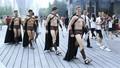 Làn sóng người mẫu đến Trung Quốc khoe thân kiếm sống