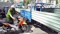 Giải pháp nào 'xóa sổ' xe ba bánh tại Hà Nội, TP HCM?