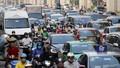 Đường phố Hà Nội ùn tắc trở lại trước ngày nghỉ lễ