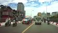 'Đấu đầu' ô tô tại Hà Nội, hai nam thanh niên trọng thương