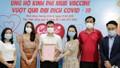 Các nghệ sĩ nhiệt tình ủng hộ mua vắc xin vượt qua Covid-19