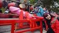 """Tranh cãi nghi thức rước """"của quý"""" tại lễ hội ở Lạng Sơn"""