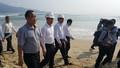Bí thư Thành ủy Đà Nẵng thị sát cống hôi, bãi biển sạt