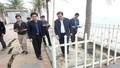 Chủ tịch Đà Nẵng thị sát bãi biển bị xâm thực