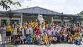 Nữ thủy thủ Mỹ xúc động giao lưu với trẻ em bị chất độc da cam Việt Nam