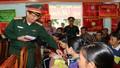 LLVT Quân khu 5 tặng quà đồng bào nghèo đón Tết