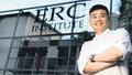 Từ rửa bát thuê trở thành triệu phú Singapore