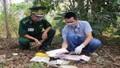 Hai người đàn ông bí ẩn bỏ lại 12.000 viên nghi là ma tuý ở vùng biên