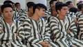 Phạm nhân được đặc xá xúc động về với gia đình