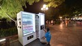 Để máy bán hàng tự động thành điểm sáng trên phố đi bộ Hà Nội