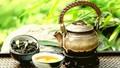 Thưởng trà ngày xuân trên đất Huế