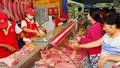 Nâng cao năng suất, hiệu quả chăn nuôi lợn để không 'rớt giá'