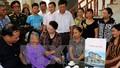 Chủ tịch Quốc hội thăm hỏi, tặng quà  gia đình chính sách tại tỉnh Hải Dương