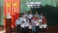 Năm học mới ở trường  2 thầy giáo, 7 học sinh