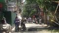 Sập giàn cẩu thi công cửa kính giữa Hà Nội, 2 người cấp cứu