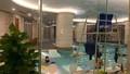 Bé gái suýt mất mạng tại bể bơi khách sạn Candle