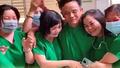 Y bác sĩ ôm nhau bật khóc khi bệnh nhân Covid-19 cuối cùng của Bình Thuận có kết quả xét nghiệm âm tính