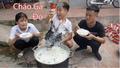 Bà Tân Vlog 'lên tiếng' sau clip con trai nấu cháo gà nguyên lông