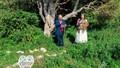 Kết hôn với cây, người phụ nữ tiết lộ cảm giác đặc biệt