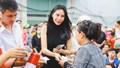 Tin 'hot' giải trí ngày 13/10: 'Sao' Việt chung tay giúp đồng bào miền Trung