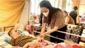 """Dàn sao Việt khóc thương trước sự ra đi của """"phù thuỷ trang điểm"""" Minh Lộc; Trịnh Kim Chi xót xa kêu cứu trước bệnh tình của NS Hoàng Lan"""