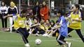 """Trẻ em gái chơi bóng đá - """"Đếm nụ cười, không đếm bàn thắng"""""""