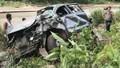 Xe bán tải lao xuống vực, 2 giáo viên tiểu học tử vong