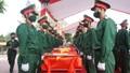 Linh thiêng phút đón hài cốt 95 liệt sĩ hy sinh tại Lào về với đất mẹ