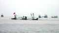 Tàu cá Nghệ An va đá ngầm, 10 người thoát chết