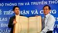 Tiếp nhận bản đồ khẳng định Hoàng Sa và Trường Sa là của Việt Nam