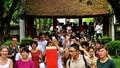 Trường ĐH đầu tiên Việt Nam đón hàng vạn sĩ tử tới cầu may