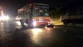 Hà Nội: Xi nhan sang đường bị xe buýt đâm phải, nam thanh niên nguy kịch