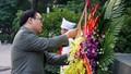 Kỷ niệm Cách mạng Tháng Mười Nga, lãnh đạo TP Hà Nội dâng hoa tưởng niệm
