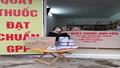 Nhiều hiệu thuốc ở Quảng Ninh phát khẩu trang miễn phí cho người dân