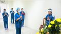Xúc động cảnh nữ điều dưỡng chịu tang cha ở khu điều trị cách ly đặc biệt