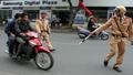 Ninh Bình xử phạt trên 800 trường hợp vi phạm không đội mũ bảo hiểm sau 15 ngày ra quân