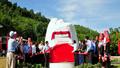 Gắn biển chào mừng Đại hội Đảng bộ tỉnh Quảng Ninh cho 2 công trình giao thông
