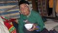 """Bà cụ 99 tuổi chữa rắn cắn bằng nước lã và """"thần chú"""""""