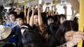 Xe buýt là nơi dễ bị quấy rối tình dục