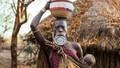Sự thật thú vị về bộ lạc khoét môi gắn đĩa ở châu Phi