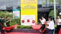 Gắn biển chào mừng Đại hội Đảng bộ tỉnh cho công trình Tòa nhà Viettel Quảng Ninh