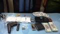 Quảng Bình: Bắt giữ xe bán tải chở ma túy và súng