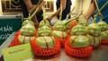 Dưa lê thần tài Trung quốc: Chỉ dám cúng, không dám ăn