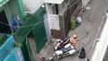 Thiếu nữ quỳ lạy CSGT khi bị bắt xe