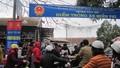 Khác lạ: Khách đi lễ Phủ Tây Hồ được gửi xe miễn phí
