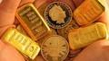 Giá vàng tiếp tục đi ngang sau quyết định của Fed